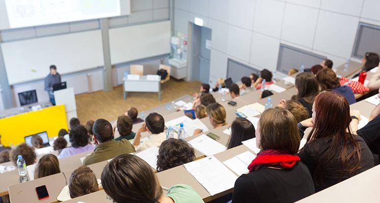 Wie effektiv ist das digitale Marketing von Schweizer Universitäten? - Konkurrenzvergleich
